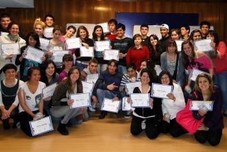 """Proyecto """"Facilitadores"""" – Funcionarios del BCU inician programa piloto con adolescentes."""