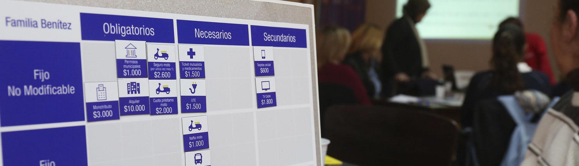 Funcionarios de la Intendencia de Paysandú se capacitaron en taller sobre Presupuesto Familiar