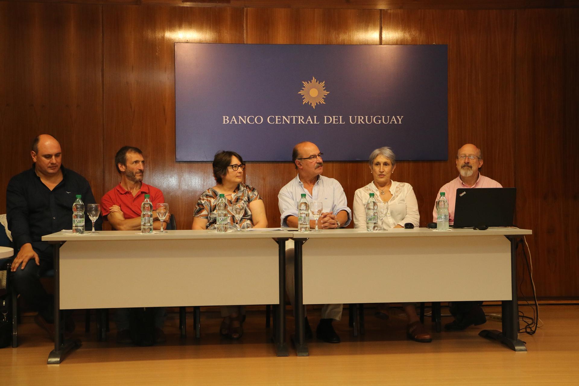 Celebración de convenio entre el BCU y CETP-UTU